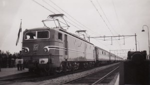 Feest voor elektrificatie Frl. 1300 te Akkrum 1952